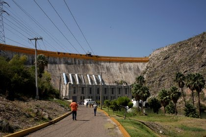 Incautan FX-05 y cargadores a grupo criminal en Teocaltiche Jalisco PDBF2H6D75N4YUIBFAAISUSWHQ