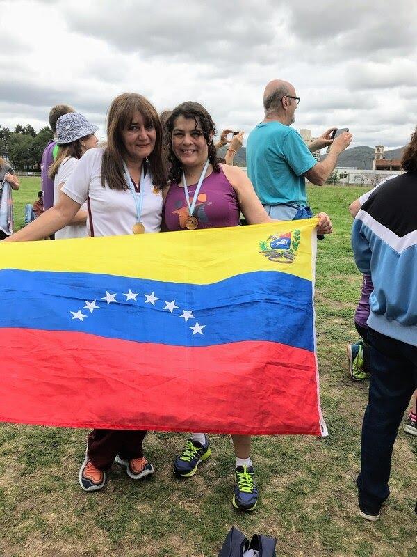 Marcha de tres kilómetros, jabalina, lanzamiento de pelota y posta de 4×100 son las disciplinas en las que María Elena se fue perfeccionando