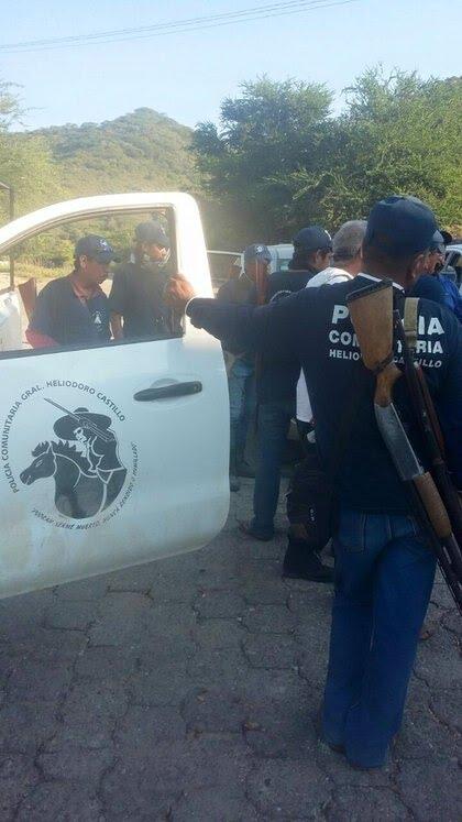 Buscan legalizar policía comunitaria en Guerrero ZGJRIT44K5GE3OK6PBZUCQOPAU