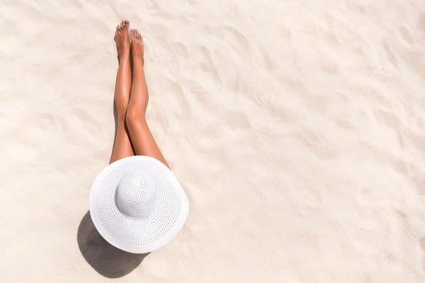 Estudios científicos aseguran que tomar sol e incorporar de esa manera la vitamina D, es clave para combatir resfríos y neumonías (Shutterstock)