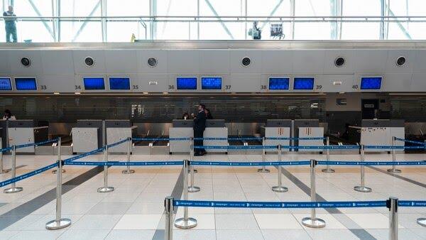 Una postal del aeropuerto de Ezeiza tras la restricción de vuelos en Argentina