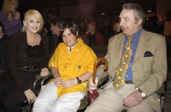 Carmen Barbieri y Santiago Bal con Federico en su pre adolescencia (foto: Sergio Lapietra)