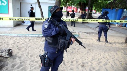 Guerrero - Matan en emboscada a comandante de la Policía Ministerial y Estatal en Guerrero K7SHWVUHRNHZVDE3XDGDTC7WUE