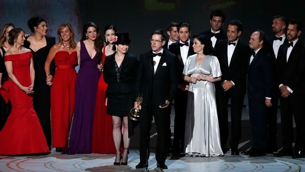 El elenco de The Marvelous Mrs. Maisel en los premios Emmy