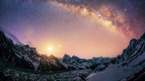 El Parque Nacional de Sagarmatha es básicamente donde el techo del mundo hace contacto con el cielo (iStock)